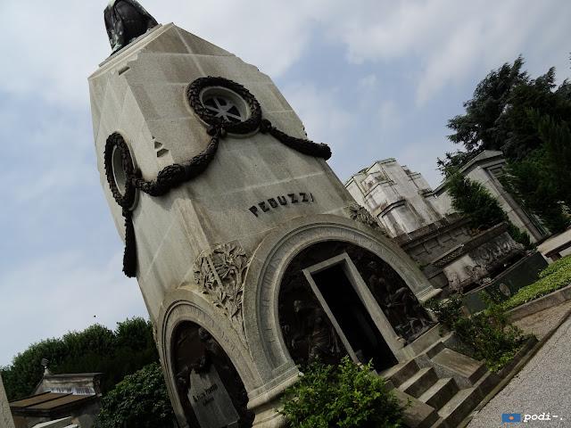 week-end; dino buzzatti -cimitero di  milano