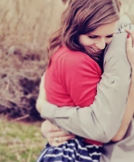 Boy hugging girl in love -Crush Shayari