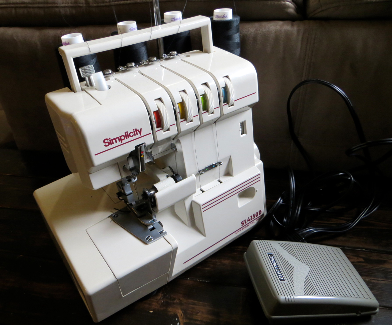 the project lady use craigslist for buying a serger. Black Bedroom Furniture Sets. Home Design Ideas