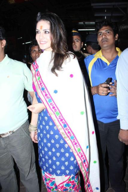 Photos Of Sunny Leone At Siddhivinayak Temple