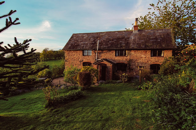 Rustic holiday cottage - Titchbourne Cottage
