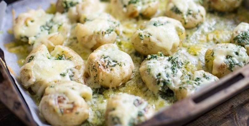 Cheesy Garlic Butter Potatoes