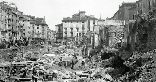 Eshijar dos fotografias historicas de zaragoza la - Construccion zaragoza ...