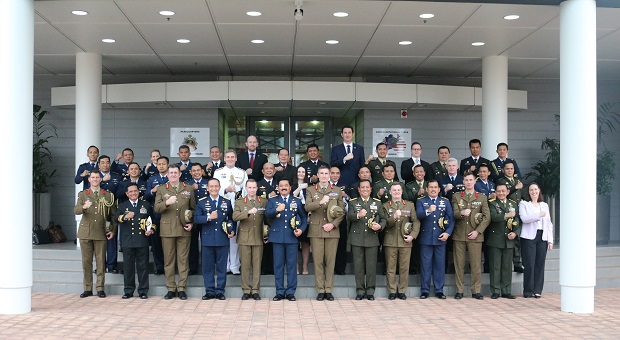 Kunjungan Kehormatan Kepada CDF Australia