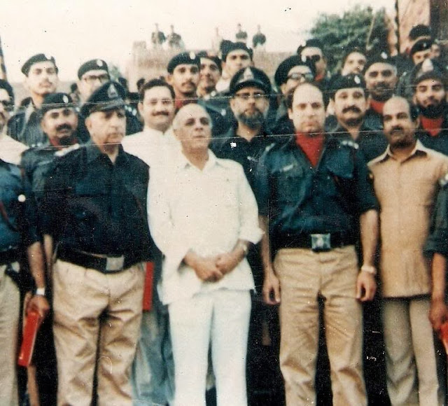 Nawaz Shairf, Nawaz, Sharif, PML N, Pakistan Muslim Leadue, Punjab, Shehbaz Sharif, Shareef, rare, unseen, young, old, Noon League, Pakistan, Pic, Pictures, Picture, Image, Images, Photo, Photos, Purani, Tasveer, Tasveerain