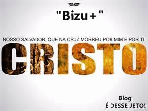 Imagem do Nome CRISTO em cor dourada, acompanhada da Mensagem: Nosso SALVADOR, que na Cruz morreu por mim e por ti