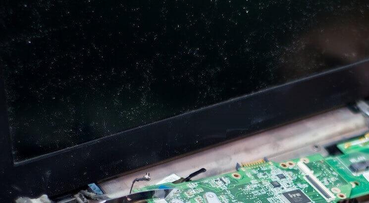 Cek Kabel Layar Laptop