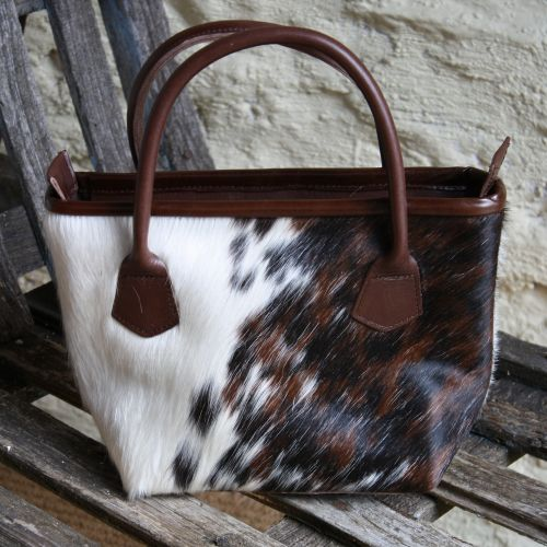 Many Human Beings Prefer Giving These Styles Of Presents As Opposed To Watches Clothes And Different Add Ons Due The Fact Cowhide Merchandise Are