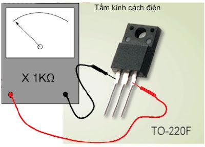 Hình 8a - Đo trở kháng D-S phải cách điện, nếu lên kim là đèn bị dò hoặc chập