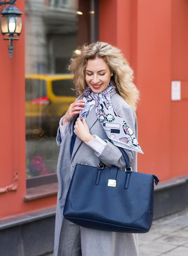 margarita_maslova_grey_coat_pants_white_socks