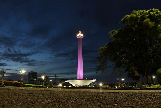 Sewa toyota hiace untuk liburan ke Jakarta
