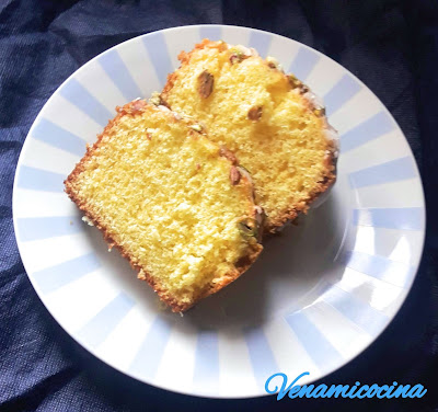 Bizcocho de pistacho y limón