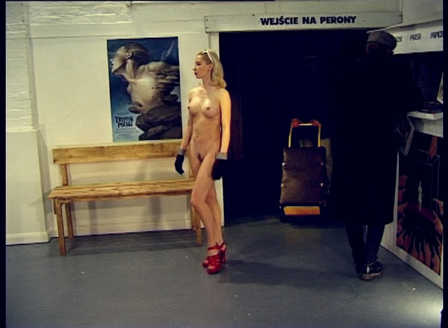 naked at the station
