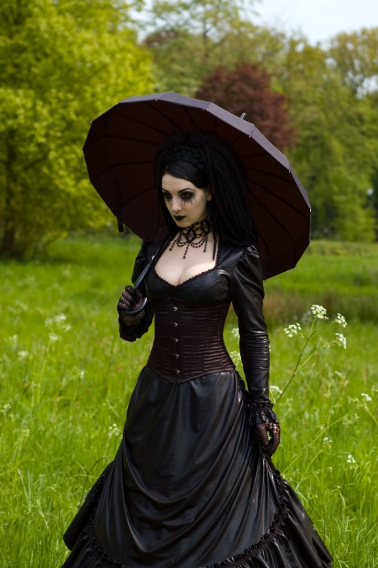 DevilInspired Victorian Clothing: Costume Inspiration From