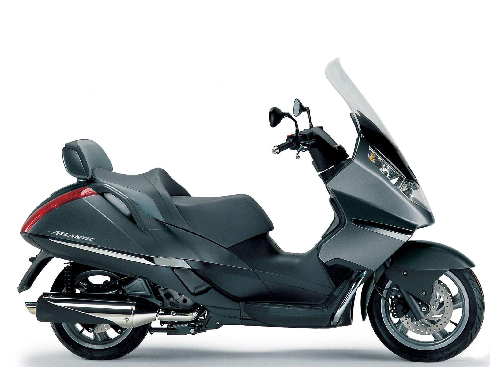 2005 aprilia atlantic 500 scooter pictures accident lawyers info. Black Bedroom Furniture Sets. Home Design Ideas