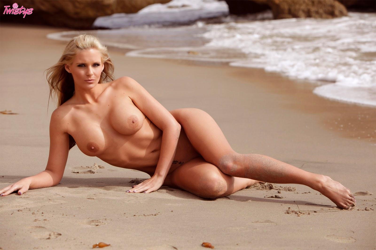 pheonix marie nude