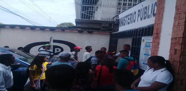 Indígenas denuncian en el MP atropello de presuntos militares en Amazonas.