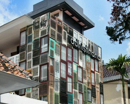 www.Tinuku.com Adhisthana Hotel combines room design classic ethnic and modern minimalist style