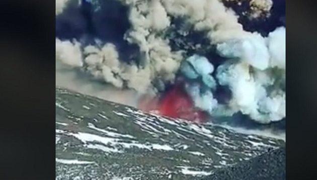 Εντυπωσιακό: Η έκρηξη του ηφαιστείου της Αίτνας από υψόμετρο 2.900 μέτρων (βίντεο)
