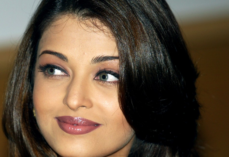 Aishwarya Rai hot pics and Image in 1080p HD