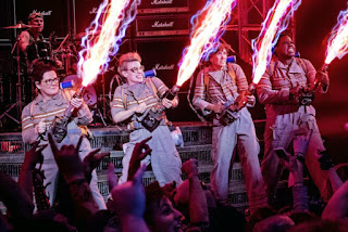 Ghostbusters 2016 remake all women cast Melissa McCarthy Kristen Wiig Kate McKinnon Leslie Jones