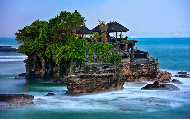 Wisata Tanah Lot, Bali, Indonesia