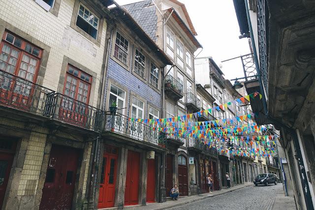 ベロモンテ通り(R. de Belomonte)