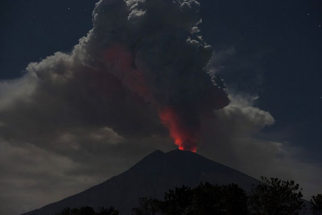 Gunung Agung Kembali Meletus, Gempa Magnitudo 6,2 Guncang Sumba Barat