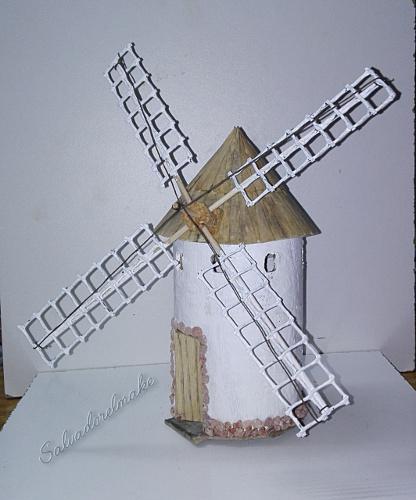 Bricolaje y modelismo maqueta de molino de viento for Piscina molino de viento y sombrilla