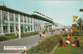 Butlin's Minehead postcard M15. Monorail over a Main Avenue. Postally unused. Undated