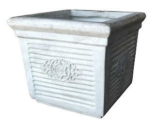 Square plastic pots