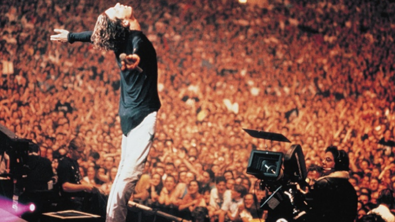 Strange tales michael hutchence after 20 years summer xs wembley stadium july 1991 nvjuhfo Gallery