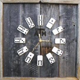Härligt klocka av dominobrickor.  c754a08ceaf5a