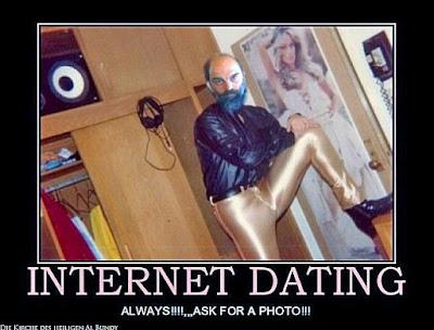 Tussis übers Internet finden - lustiges Bild mit Text
