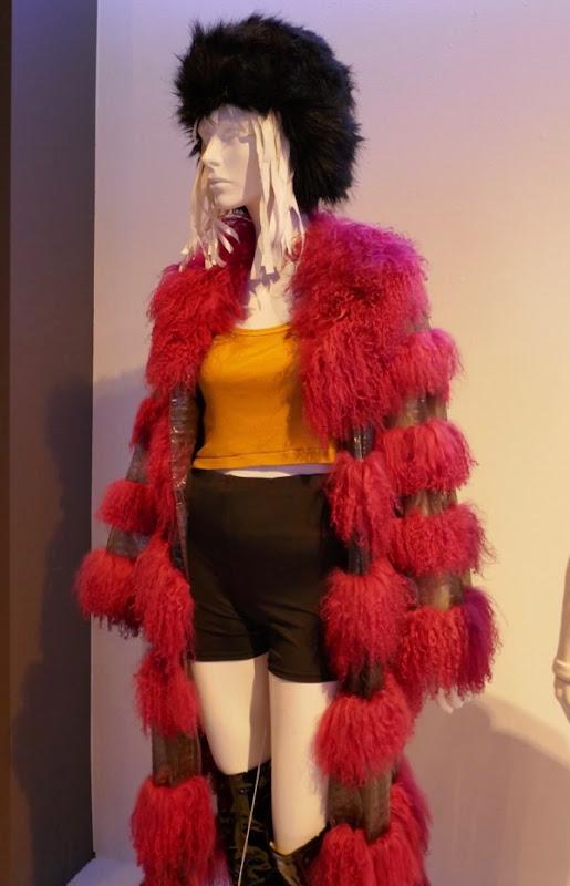 Mackenzie Davis Blade Runner 2049 Mariette film costume