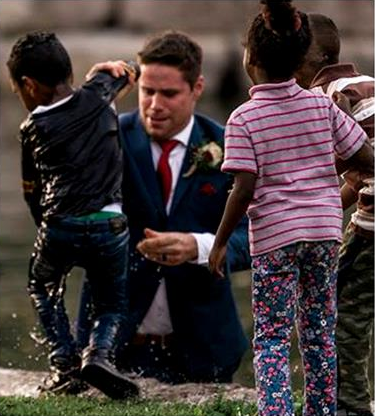 Groom Jumped Into The River During His Wedding Photoshoot, Reason Will Leave You Shocked