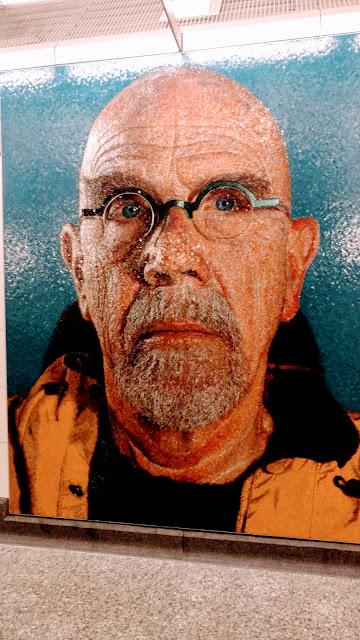 """Чак Клоуз. Автопортрет. Станція метро """"86th Street"""". Нью-Йорк (Chuck Close self-portrait.""""86th Street"""" station. NYC)"""