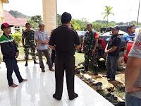 TNI POLRI Kawal Logistik Pemilu di Perbuatasan Kalimantan Utara  Dengan Malaysia