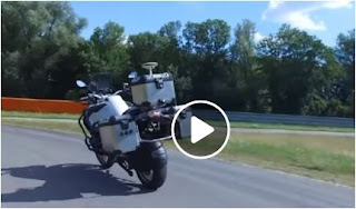 بالفيديو دراجة نارية تسير بدون سائق Self-Driving Bike