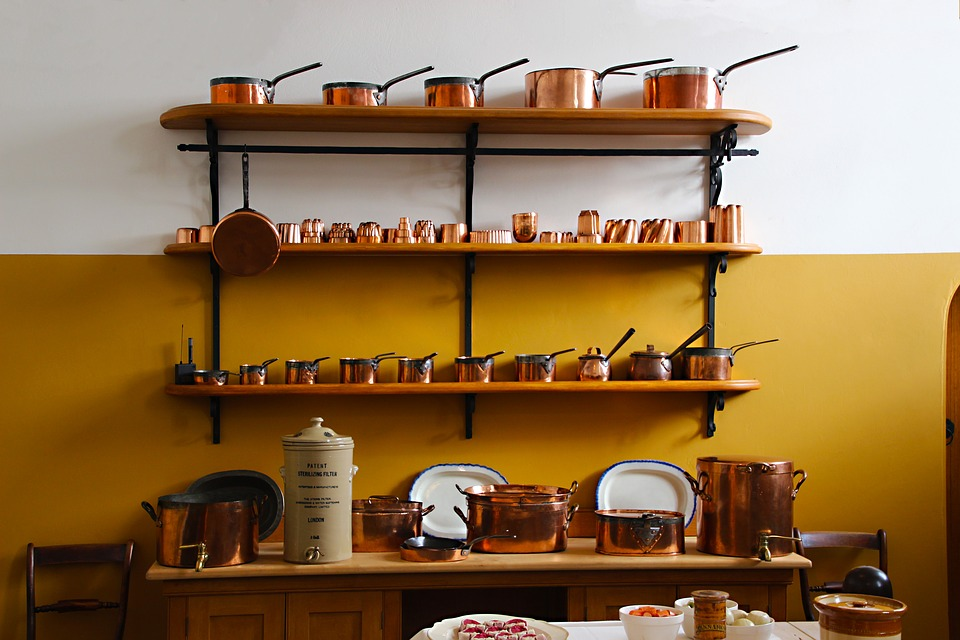 saucers, saucepans, home display