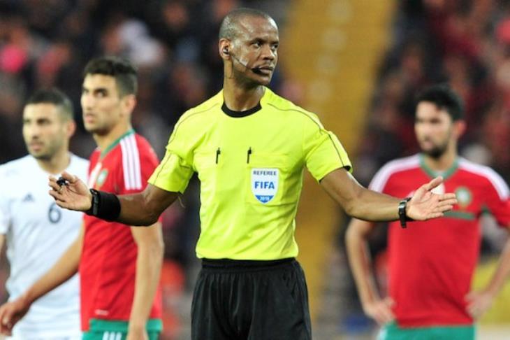 الكاف تعين الحكم الزامبي جاني سيكازوي لإدارة مباراة ذهاب نهضة بركان ضد الزمالك المصري الأحد المقبل