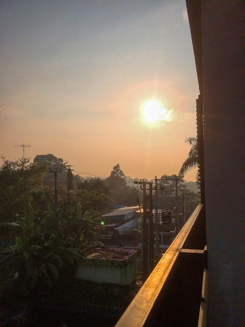 balcony hotel kota sukabumi