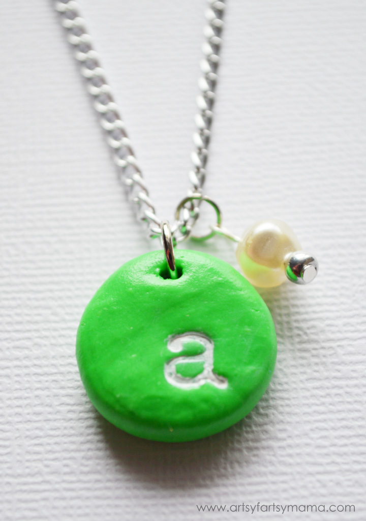 DIY Stamped Monogram Necklace at artsyfartsymama.com #diyjewelry