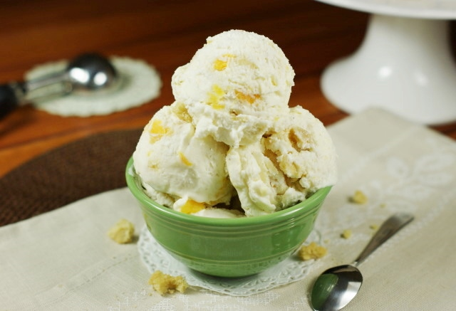 Peach Cobbler No-Machine Ice Cream