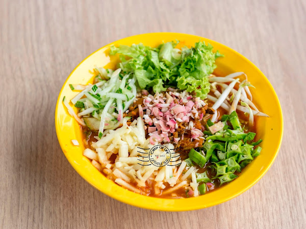 Food Guide to What to Eat in New World Park Food Court