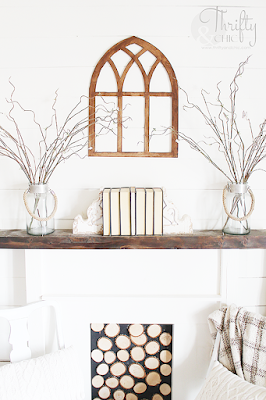 diy cathedral window frame tutorial. The best diy farmhouse decor projects for you home! Farmhouse decor and decorating ideas.