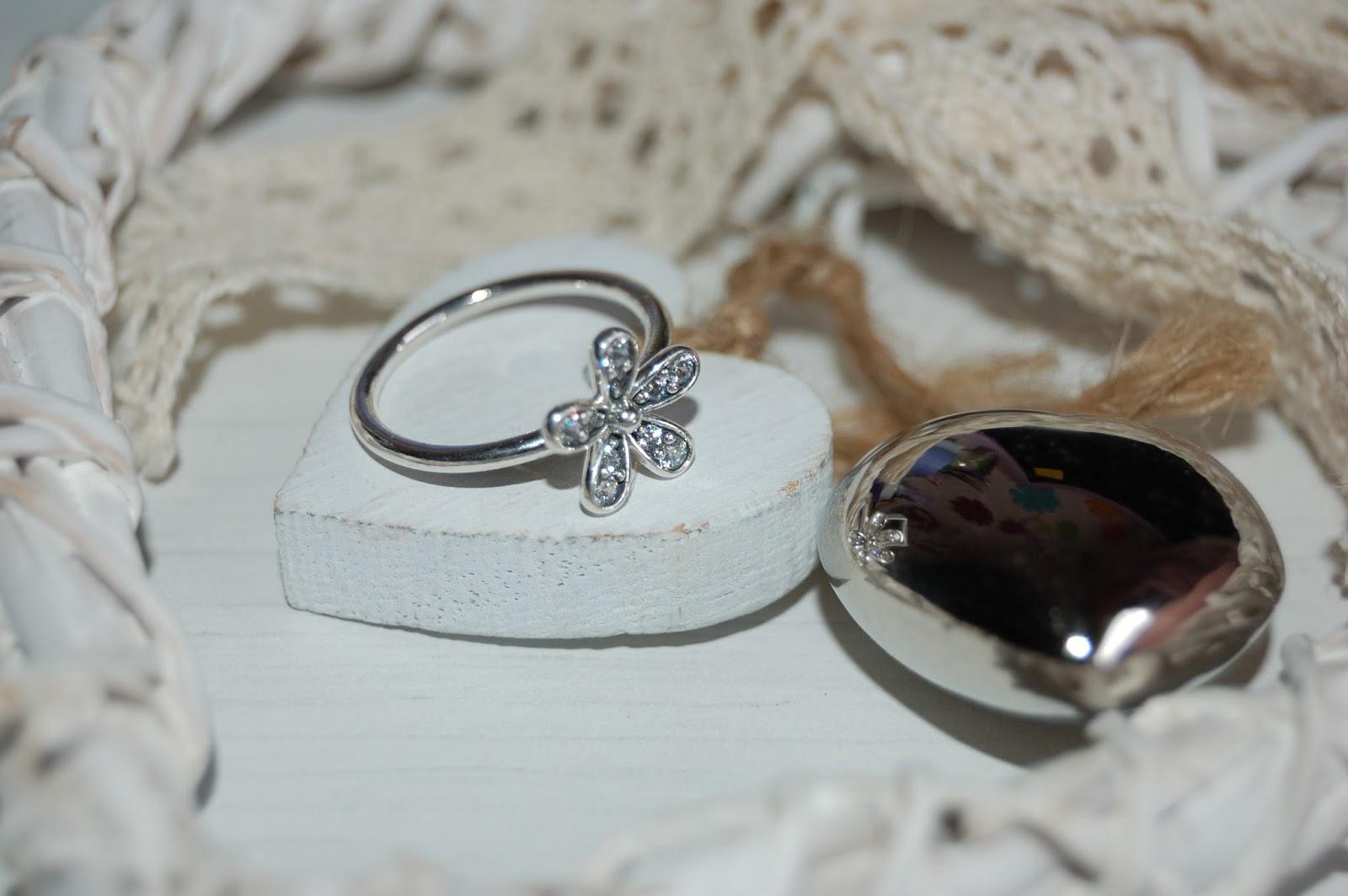 pandora anello margherite luminose