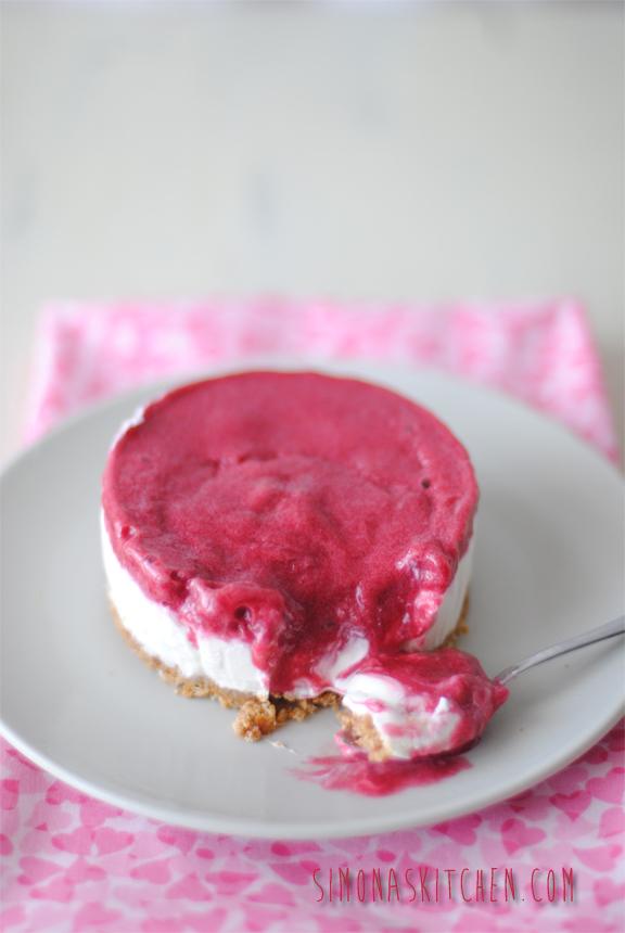 cheesecake al lampone senza uovo e senza cottura