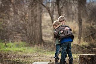 Mencintai orang lain karena Allah