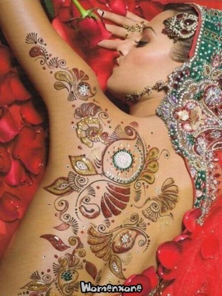 Glitter Mehndi Body Art  Latest Glitter Tattoos  Henna